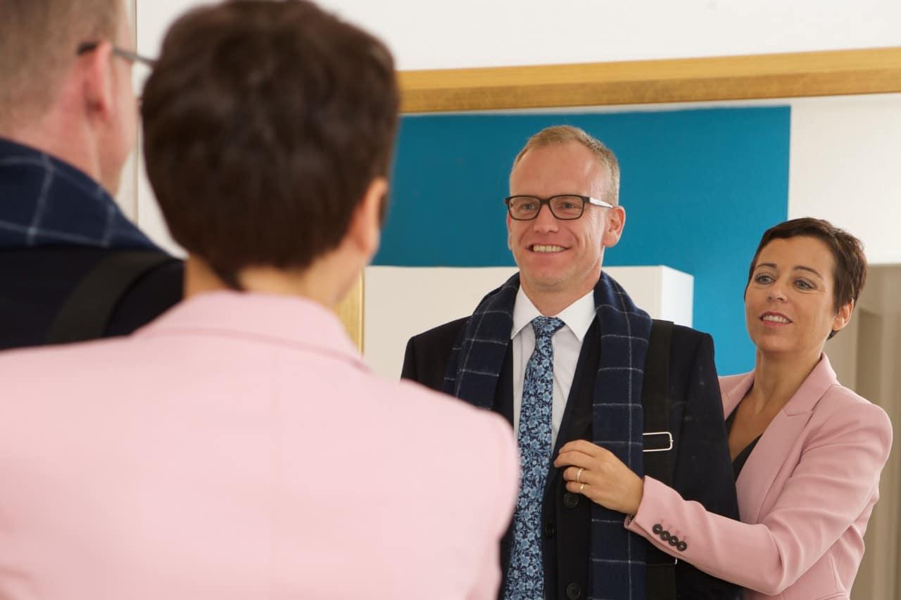 Businessmode, Businesskleidung Herren_Anzug mit Schal und Krawatte