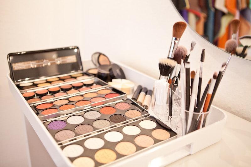 Dekorative Kosmetik, Schminke, Schminkutensilien