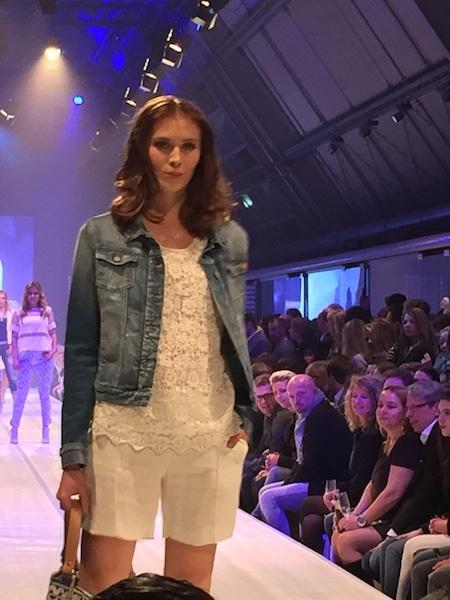 Soeren Fasionshow Frühjahr 2015, Jeans mit weiss