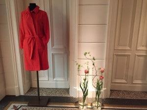 Damenmode, Businesskleidung Frauen, Helmkamp und Kallenborn, roter Mantel