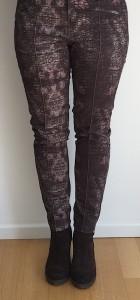 Damenmode, Frauenkleidung, Hose, Lange Beine