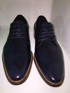 Schuhe zum Anzug blau