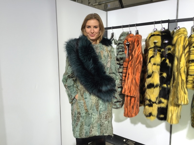 Fashion Week News Schärpe am Pelz