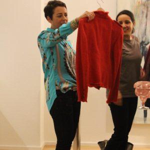 Kleidertausch rote jacke