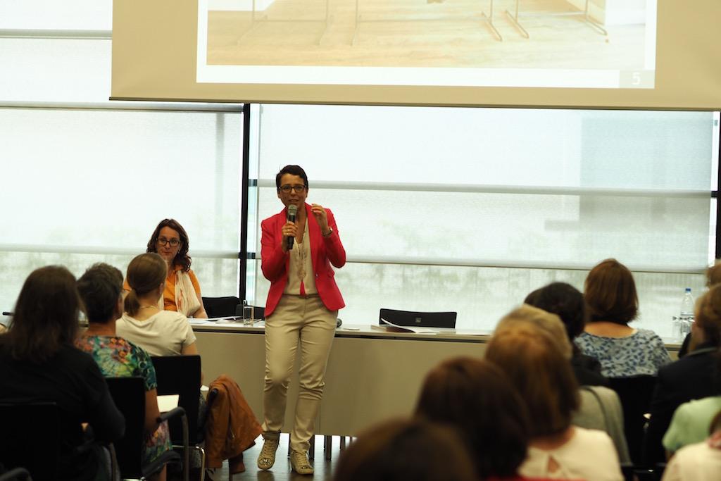 Vortrag Accessoires sind die Stars auf der Women and Work