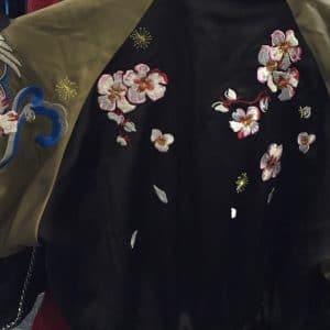 Bomberjacke als Kleid - nach dem Gummizug geht's weiter