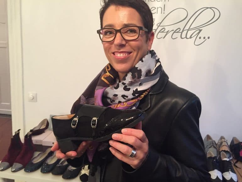 5b7c81b0935482 Flache Business-Schuhe für Frauen