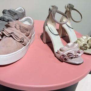 Schuhe mit Volants
