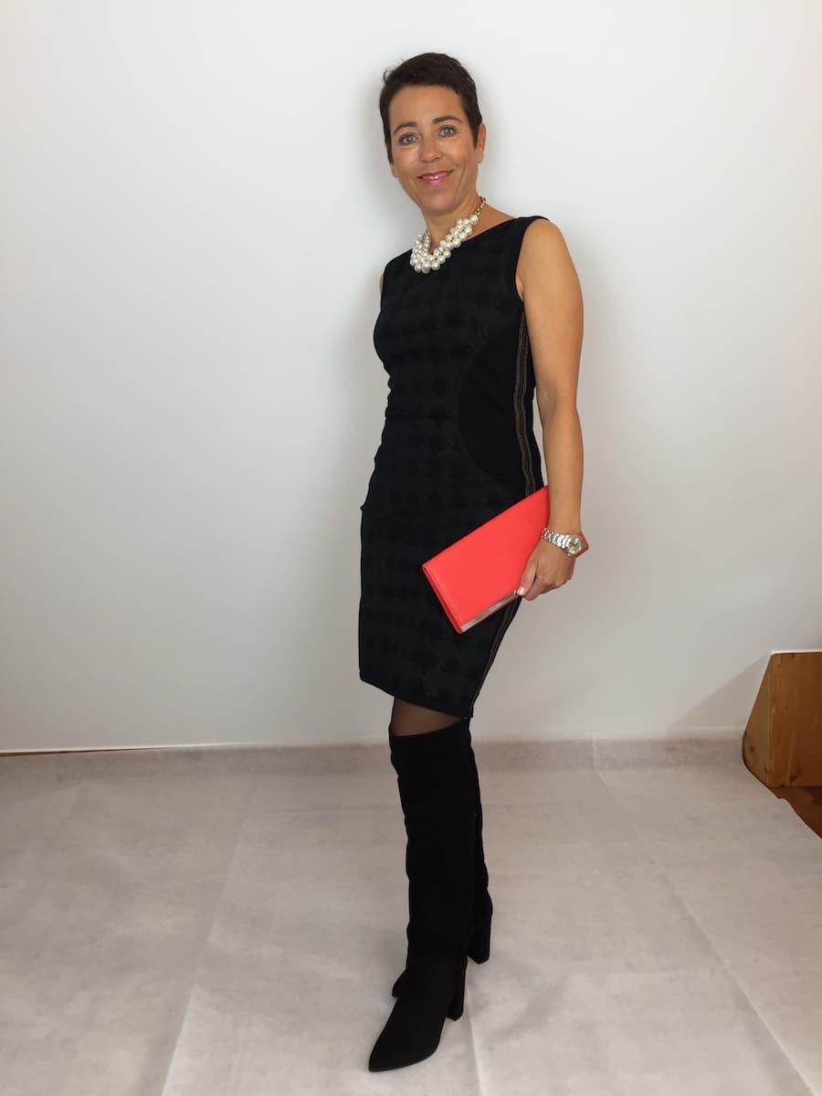 Clutch und Kette zum Kleid