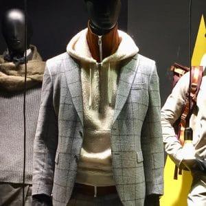 Hoodie zum Anzug