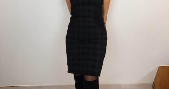 Schwarzes kleid braune stiefel