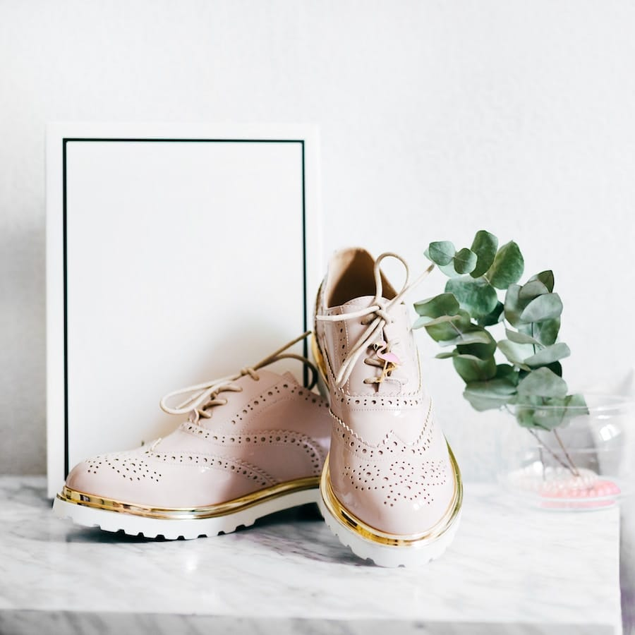Schnürschuhe - Photo by Alexandra Gorn on Unsplash