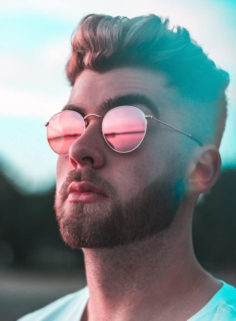 Runde Gläser für eckige Gesichter Photo by Alex Iby on Unsplash