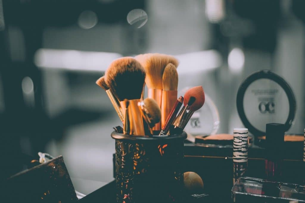 Business-Make-up Photo by Raphael Lovaski on Unsplash